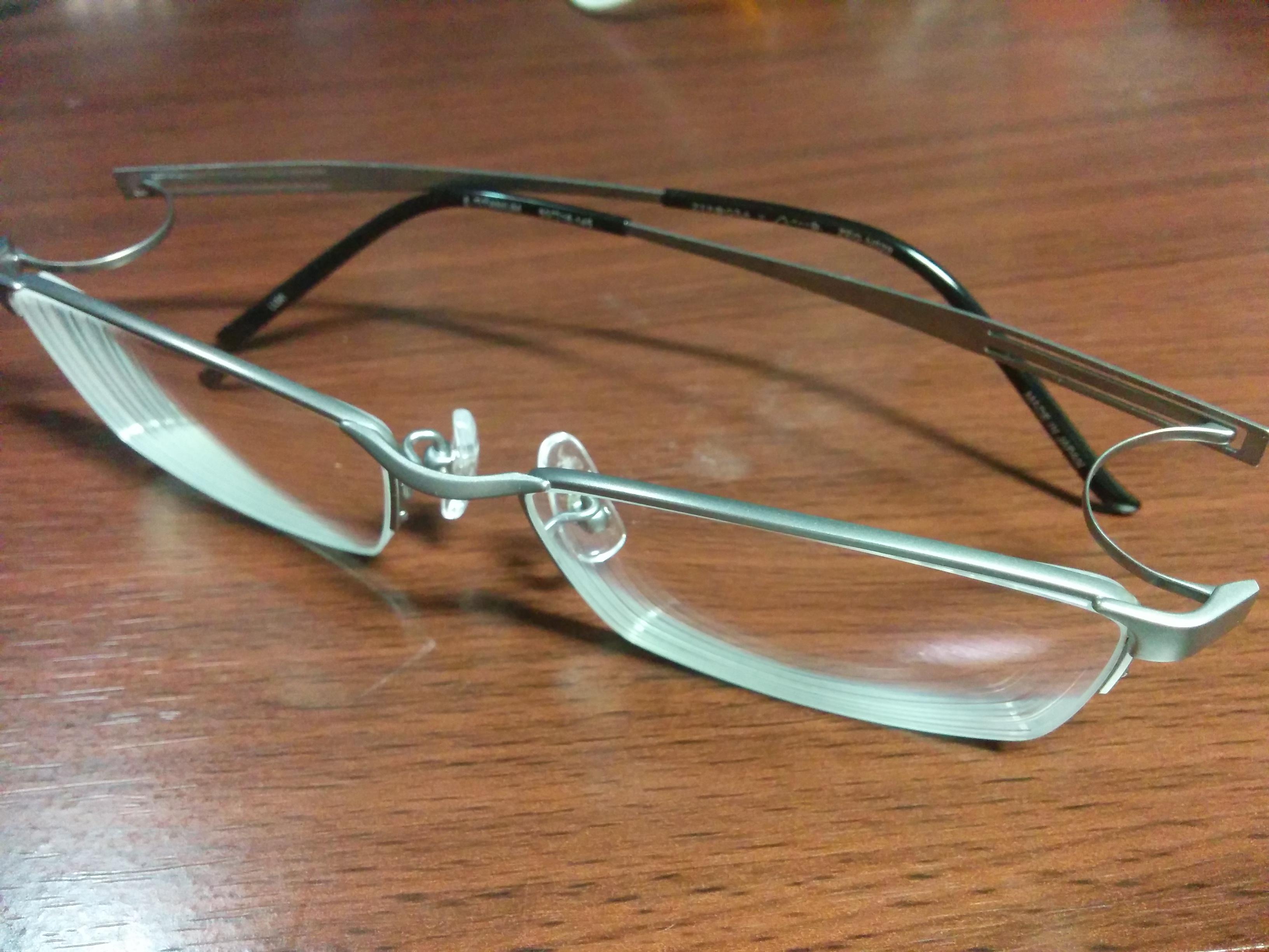 メガネを「NEW ZEROGRA(ゼログラ)」に新調